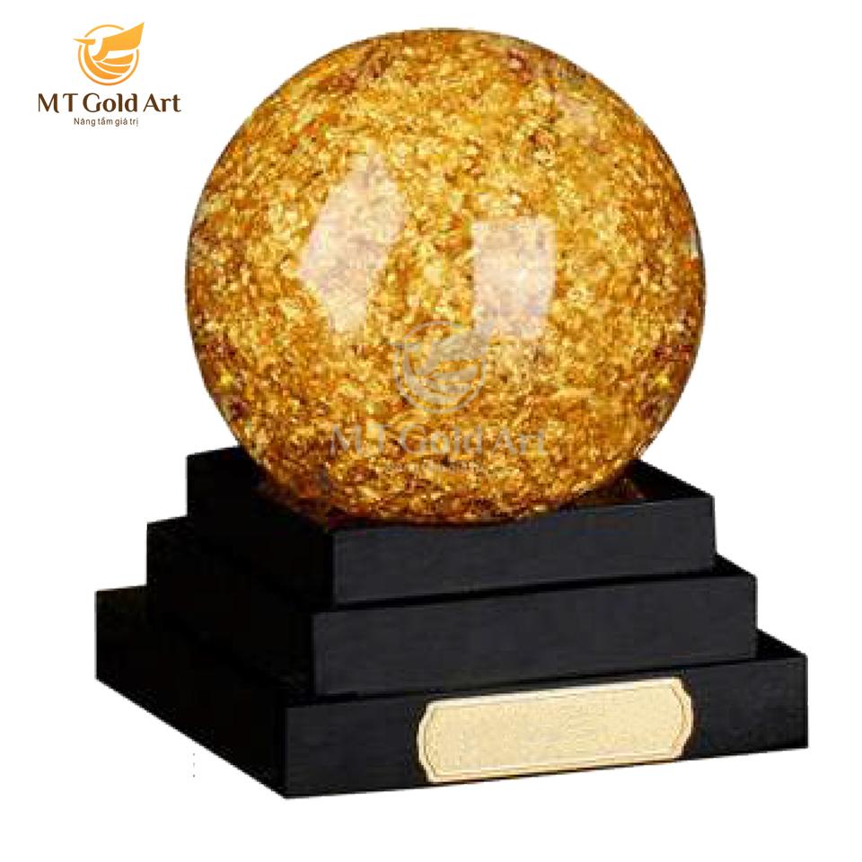 Quả cầu pha lê đúc vàng