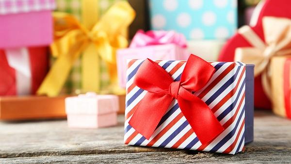 quà tặng cho bé