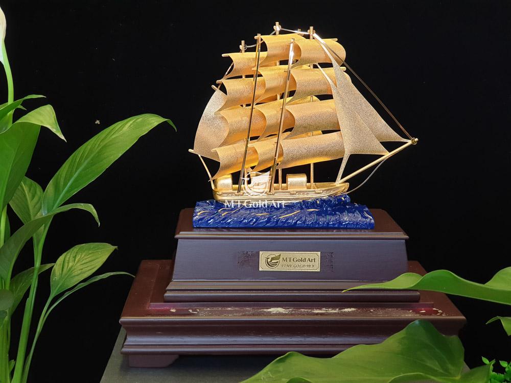 Thuyền thuận buồm xuôi gió - quà tặng doanh nghiệp